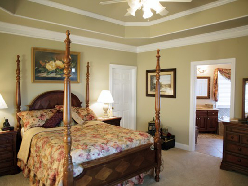 Acadian House Plan Master Bedroom Photo 02 013D-0022