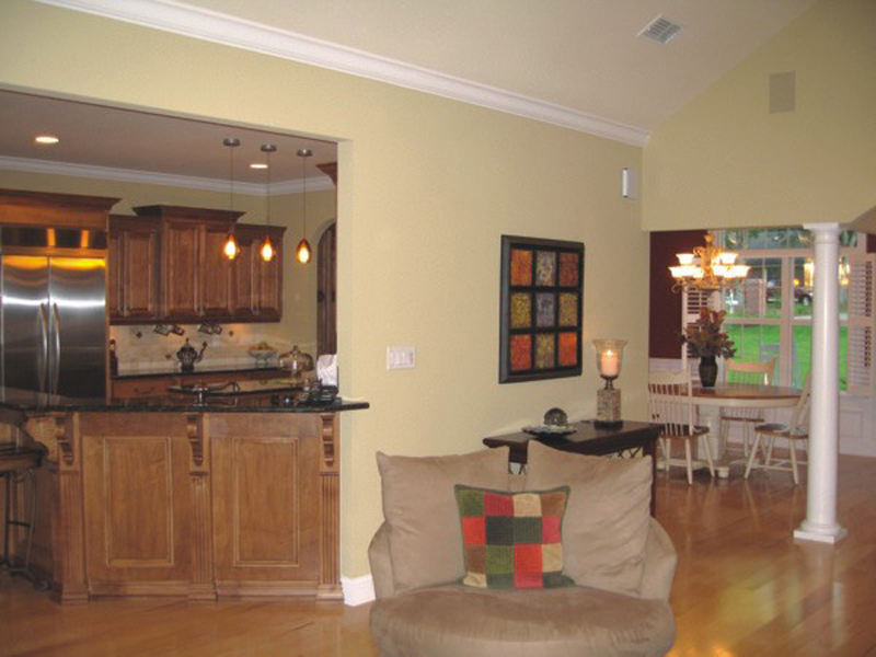 Craftsman House Plan Dining Room Photo 04 013D-0025