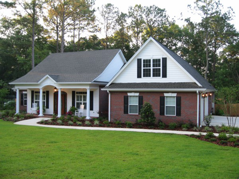 Ranch House Plan Front of Home 013D-0025