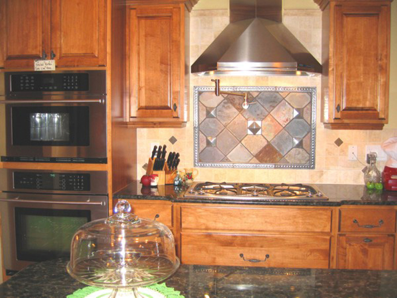 Arts and Crafts House Plan Kitchen Photo 02 013D-0025