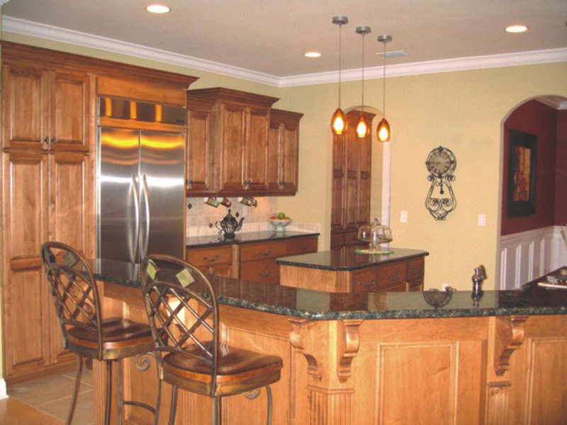 Southern House Plan Kitchen Photo 03 013D-0025