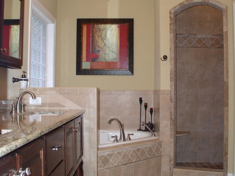Country House Plan Master Bathroom Photo 01 013D-0025