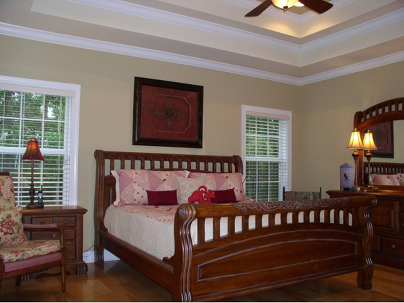 Arts and Crafts House Plan Master Bedroom Photo 01 013D-0025