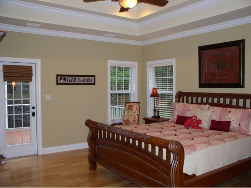 Ranch House Plan Master Bedroom Photo 02 013D-0025