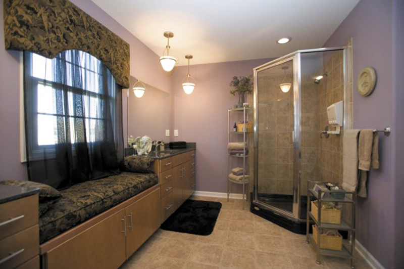 Ranch House Plan Master Bathroom Photo 01 013D-0032
