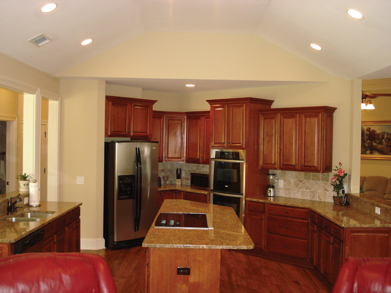 Southern House Plan Kitchen Photo 01 013D-0053