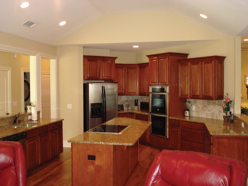Southern House Plan Kitchen Photo 04 013D-0053
