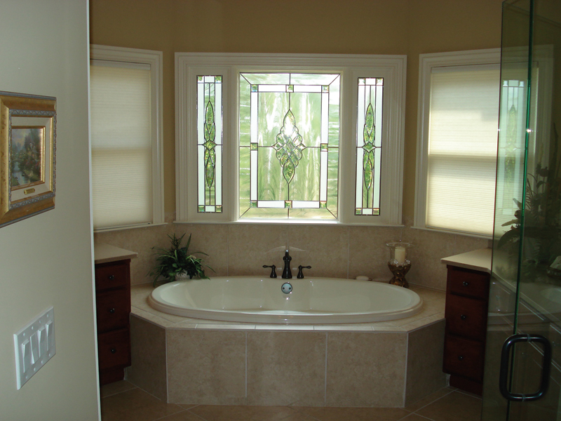 European House Plan Master Bathroom Photo 01 013D-0053