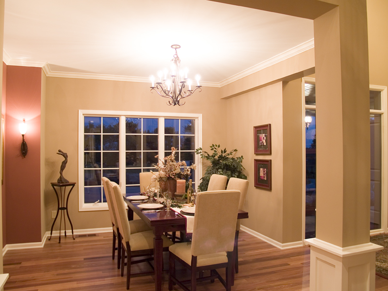 Traditional House Plan Dining Room Photo 02 013D-0179