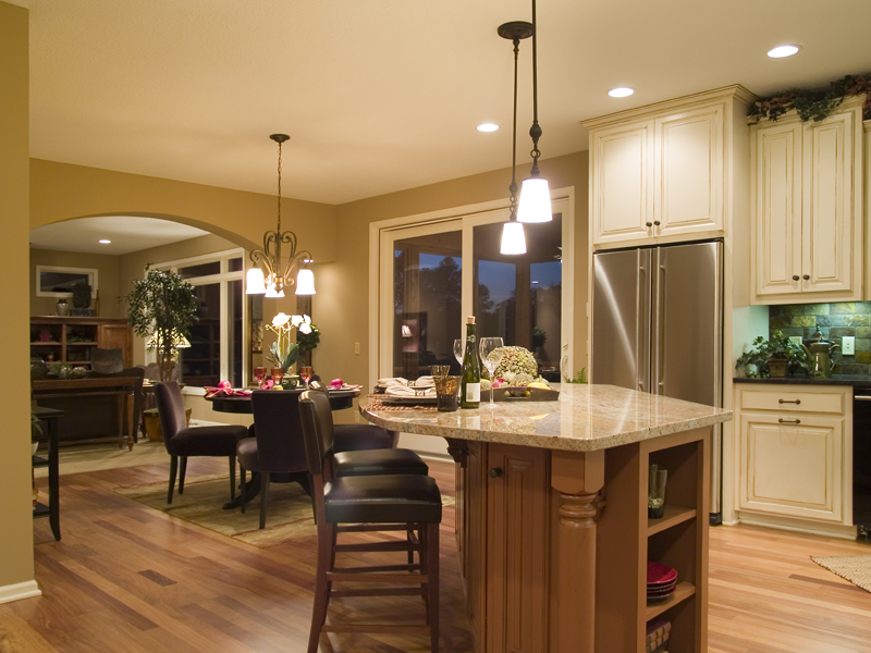 Traditional House Plan Kitchen Photo 02 013D-0179