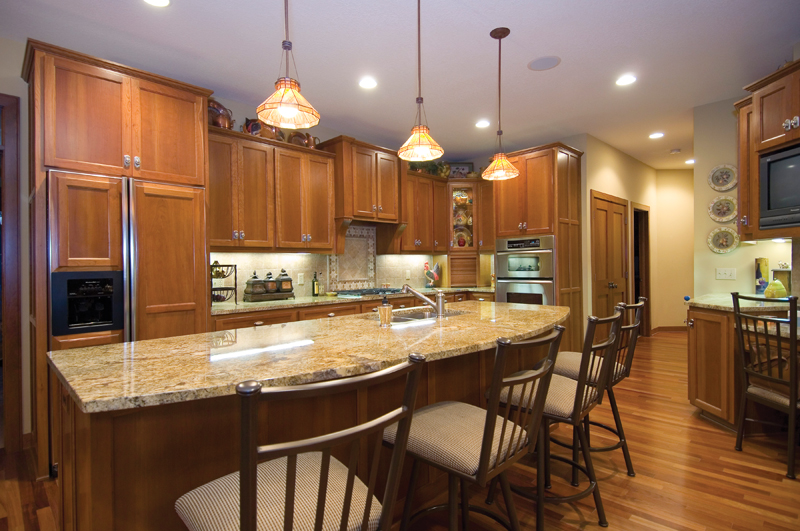 Traditional House Plan Kitchen Photo 01 013S-0001