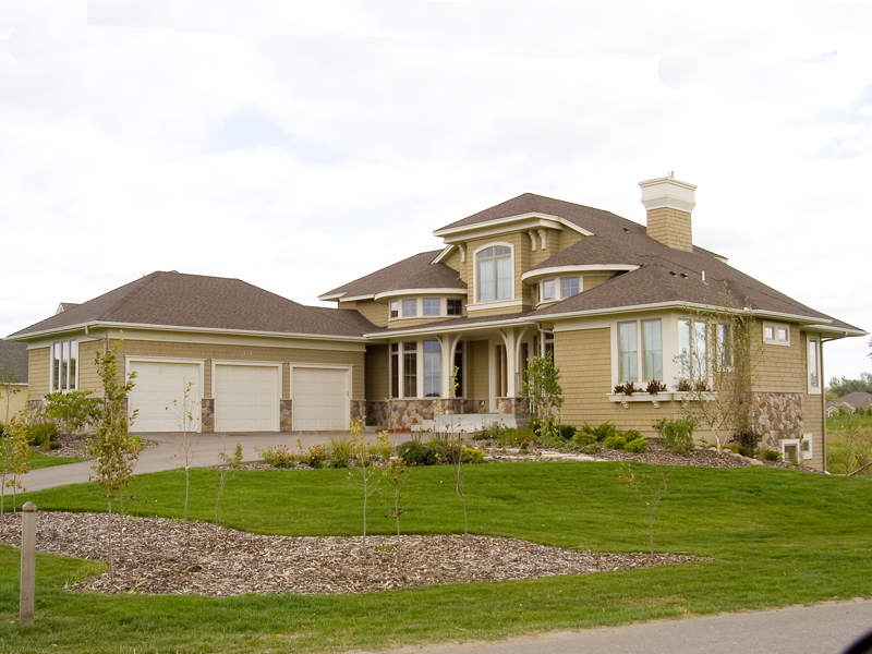 Traditional House Plan Front of Home 013S-0003