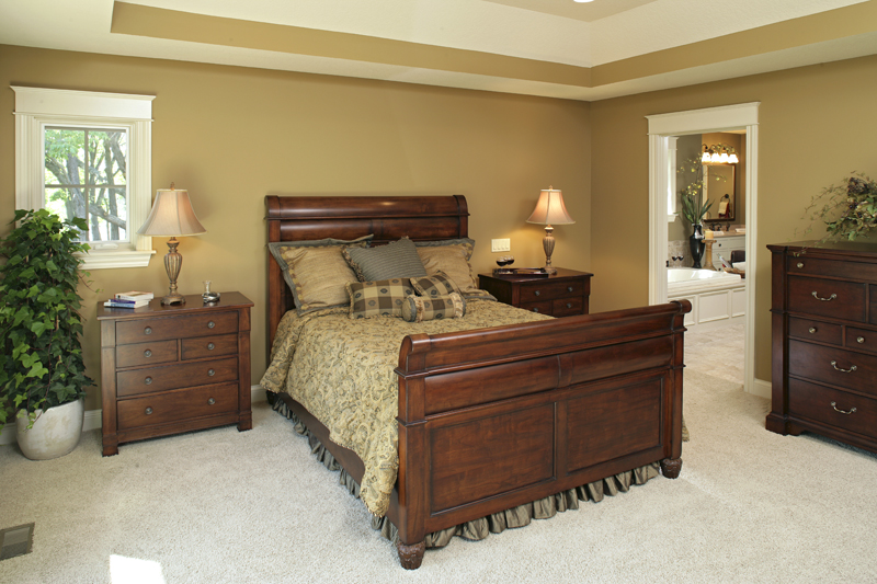 Prairie Style Floor Plan Bedroom Photo 01 013S-0004