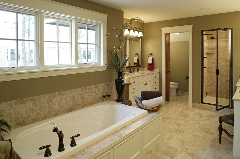 Prairie Style Floor Plan Master Bathroom Photo 01 013S-0004