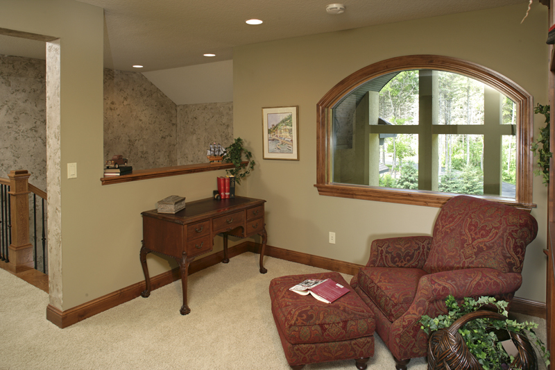Arts and Crafts House Plan Sitting Area Photo 013S-0004
