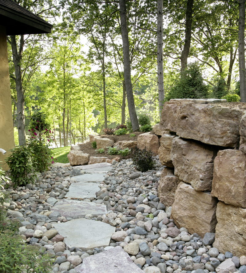 Traditional House Plan Walkway Photo 02 013S-0004