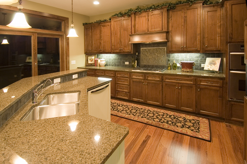 Prairie Style Floor Plan Kitchen Photo 01 013S-0005