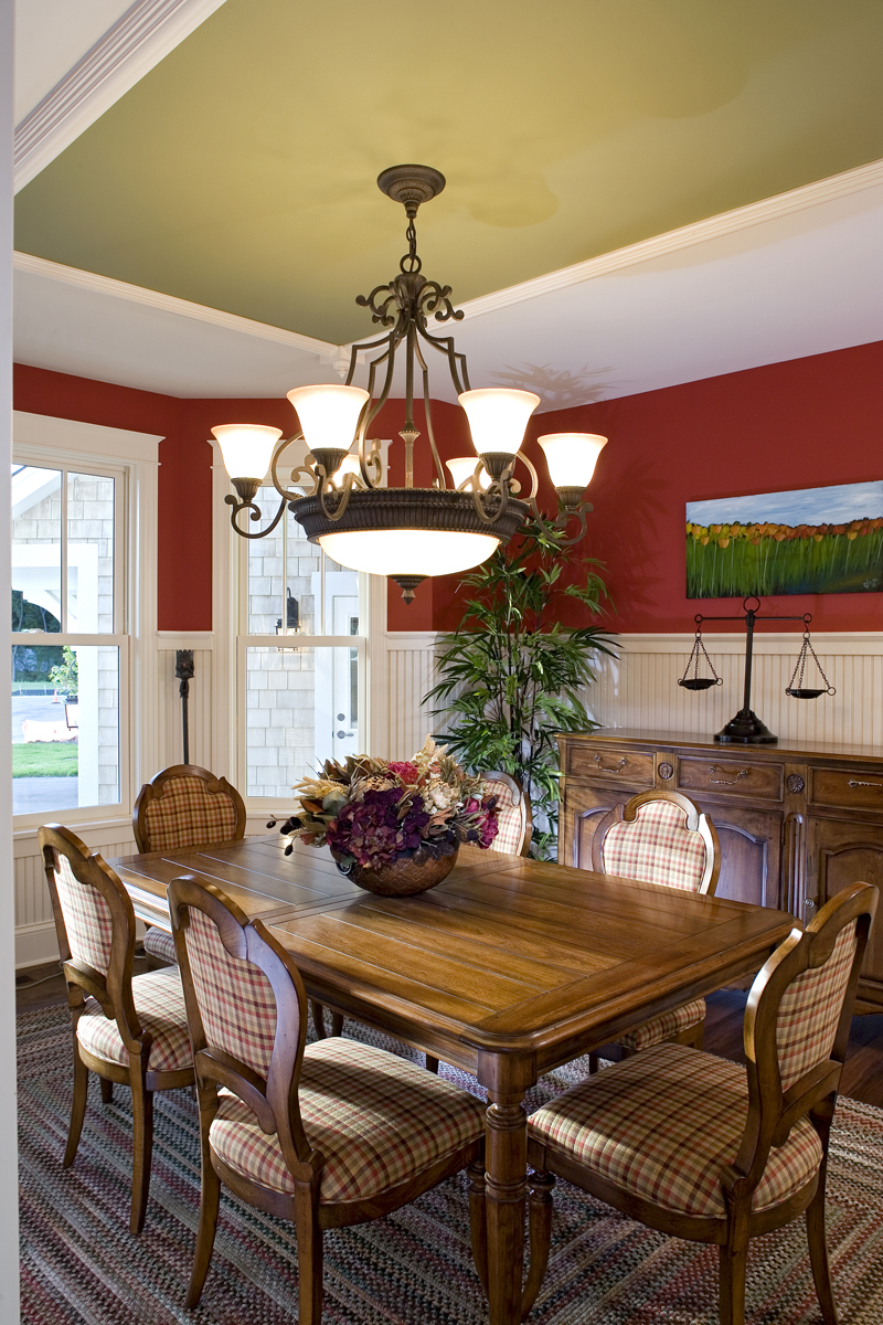 Luxury House Plan Dining Room Photo 03 013S-0008