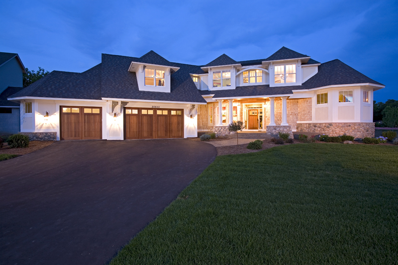 Prairie Style Floor Plan Front Night Photo 01 013S-0008