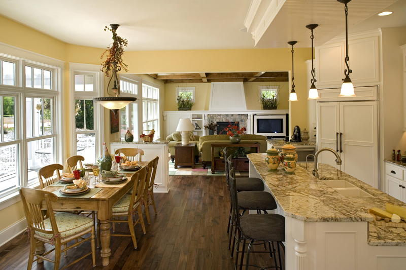 Luxury House Plan Kitchen Photo 01 013S-0008