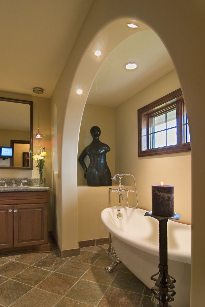 Prairie Style Floor Plan Master Bathroom Photo 01 013S-0009