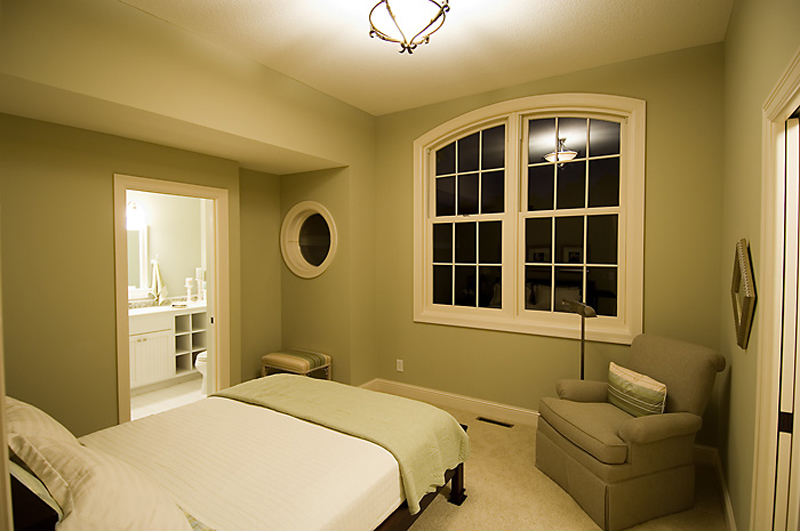 Prairie Style Floor Plan Bedroom Photo 01 013S-0010