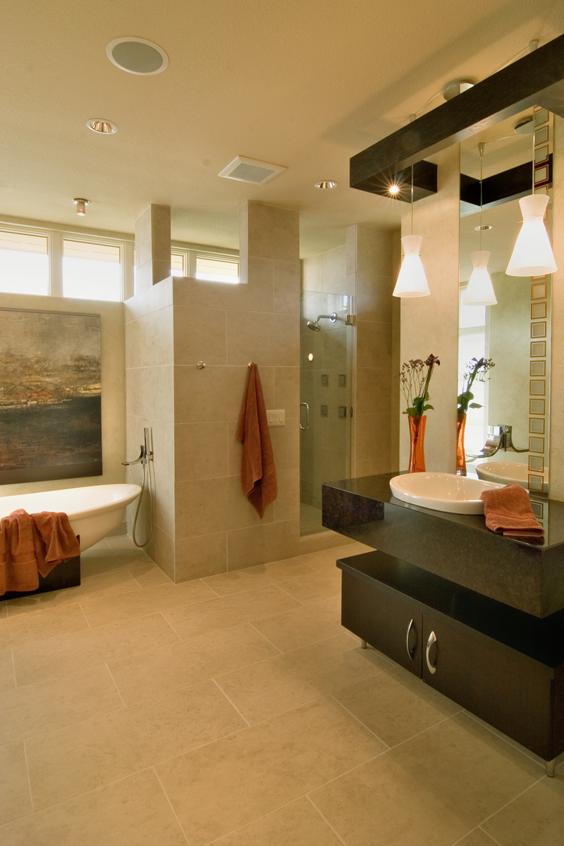 Prairie Style Floor Plan Master Bathroom Photo 01 013S-0011