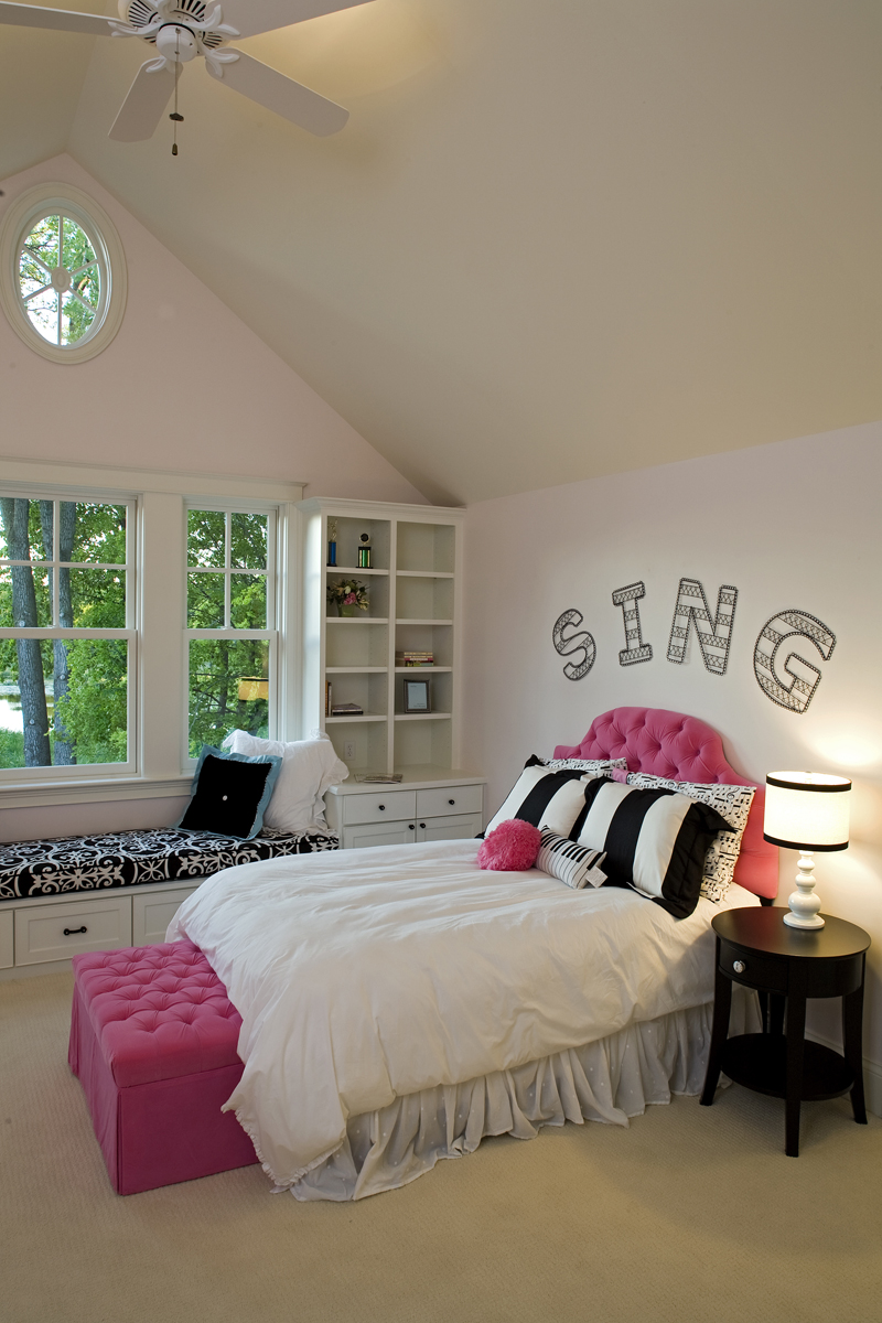 Prairie Style Floor Plan Bedroom Photo 01 013S-0014
