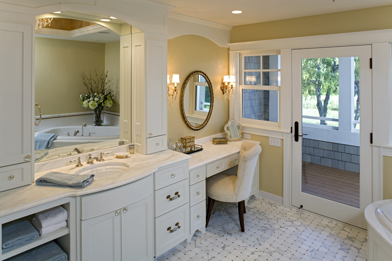 Prairie Style Floor Plan Master Bathroom Photo 01 013S-0014