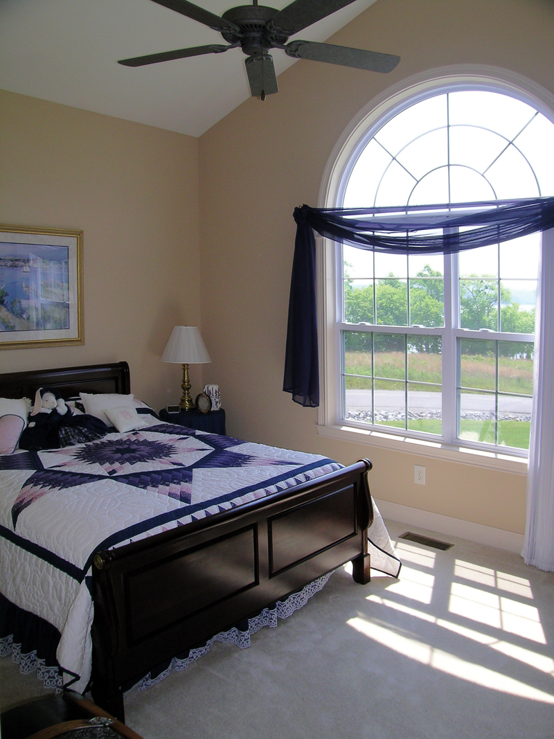 Traditional House Plan Bedroom Photo 01 016D-0023