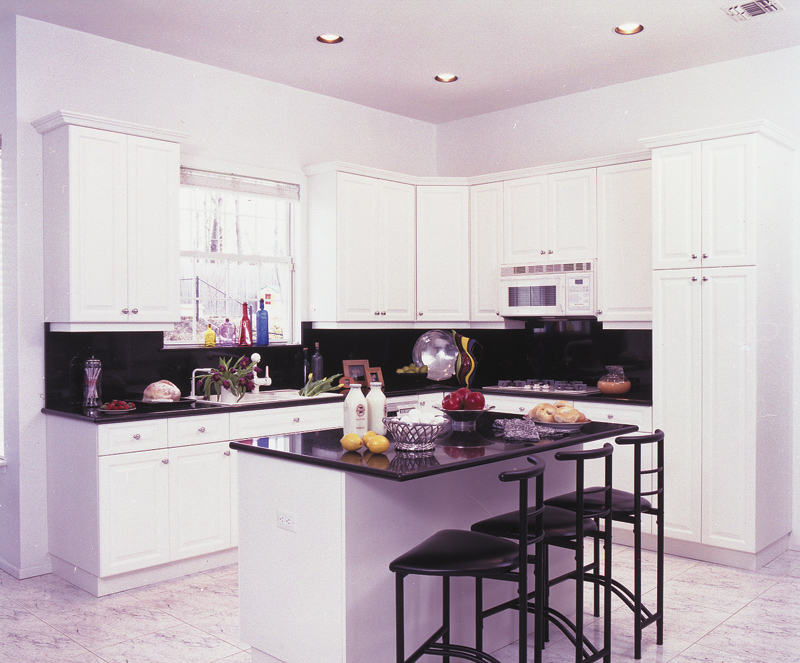 Traditional House Plan Kitchen Photo 01 016D-0046