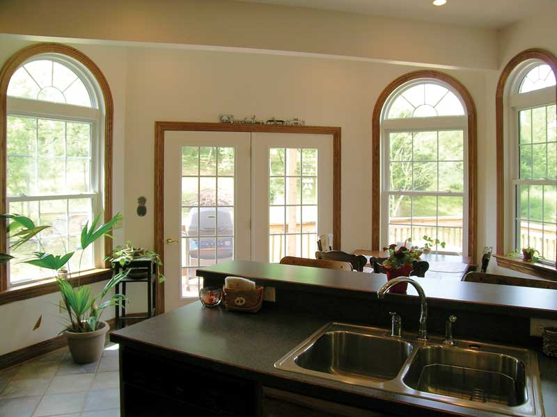 Ranch House Plan Kitchen Photo 04 016D-0047