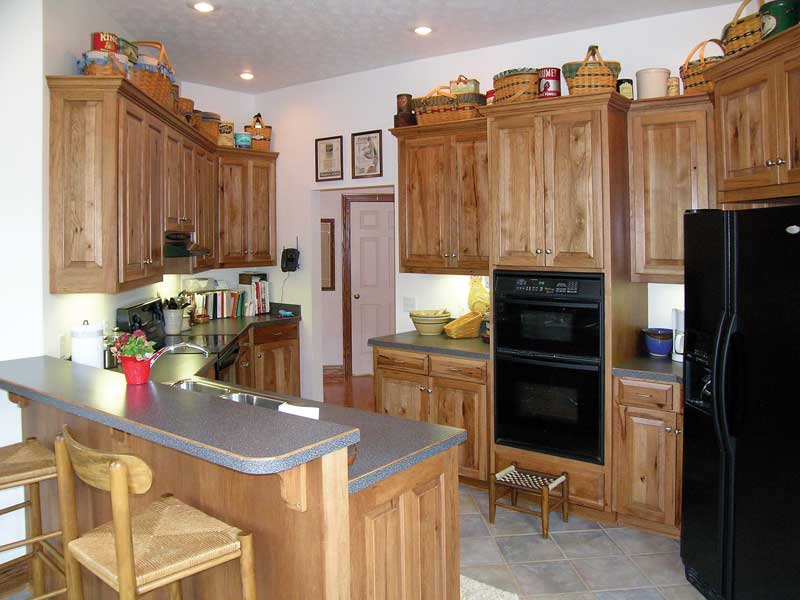 Country House Plan Kitchen Photo 06 016D-0047