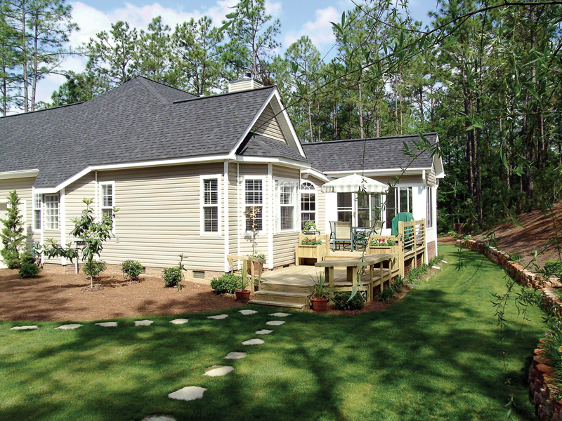 Southern House Plan Rear Photo 02 016D-0047