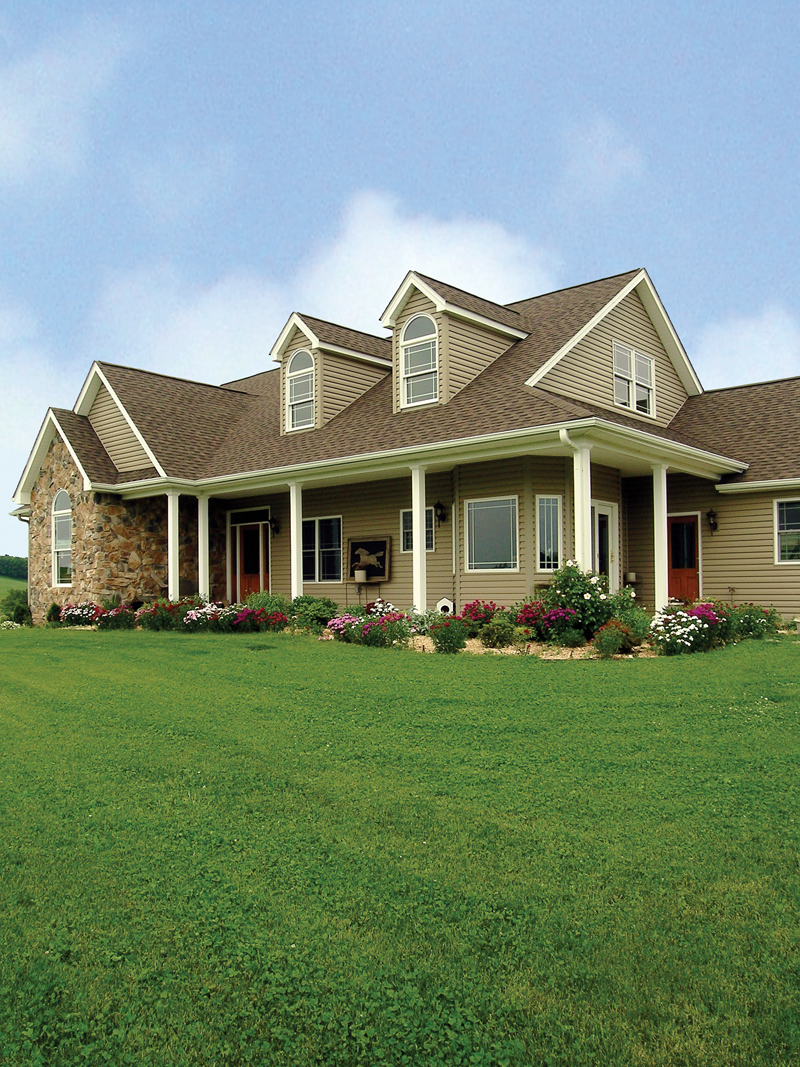 Traditional House Plan Front Photo 01 016D-0049