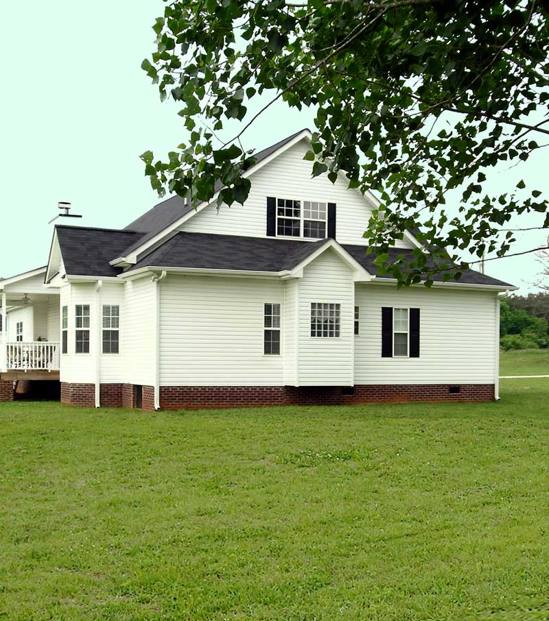 Ranch House Plan Side View Photo 02 016D-0049