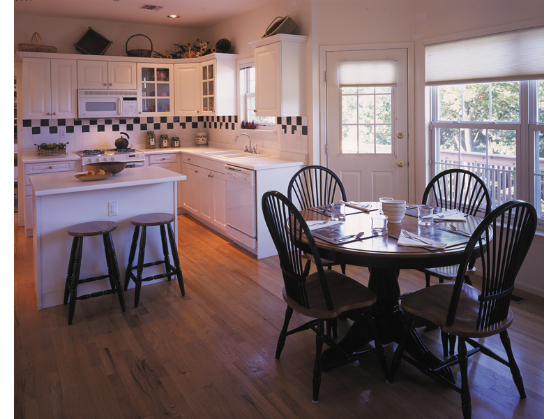 Traditional House Plan Kitchen Photo 01 016D-0050