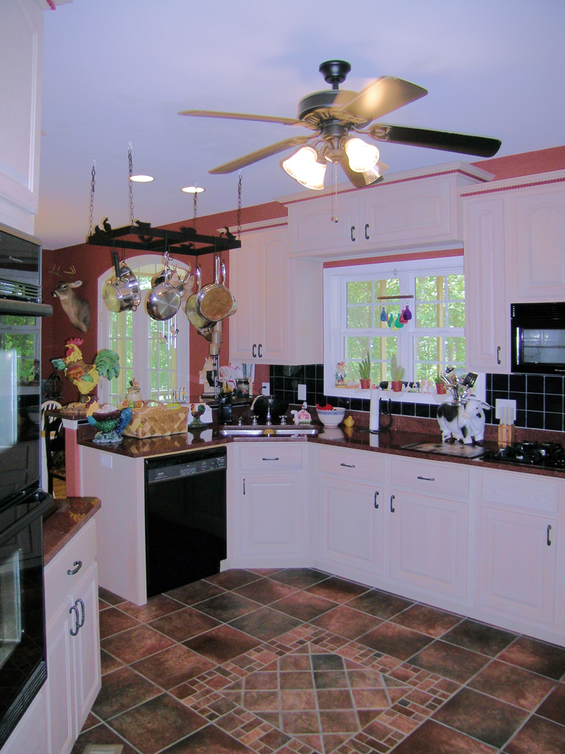 Country House Plan Kitchen Photo 01 016D-0054