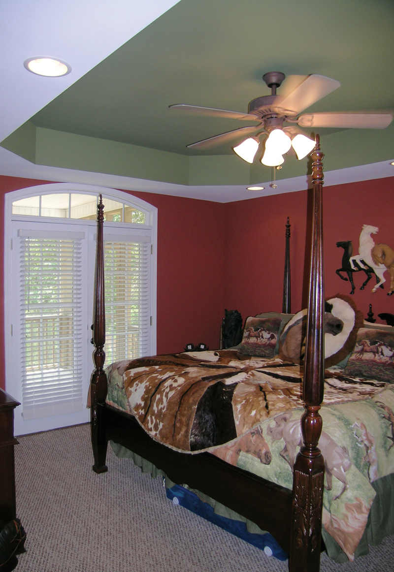 Southern House Plan Master Bedroom Photo 01 016D-0054