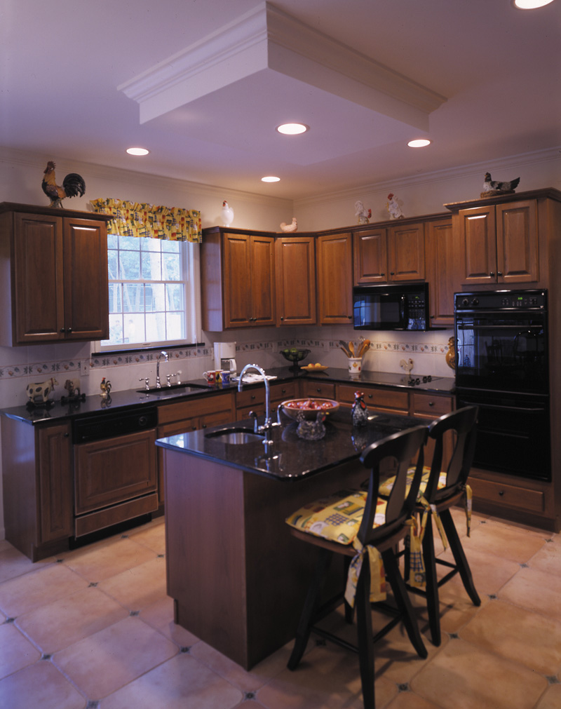 Traditional House Plan Kitchen Photo 02 016D-0056