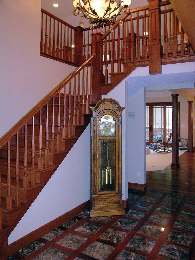 Traditional House Plan Foyer Photo 016D-0058
