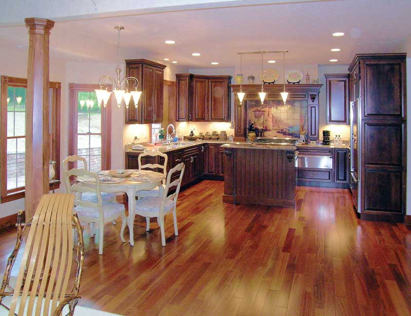 Traditional House Plan Kitchen Photo 03 016D-0058
