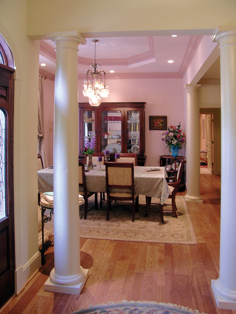 Arts & Crafts House Plan Dining Room Photo 01 016D-0065