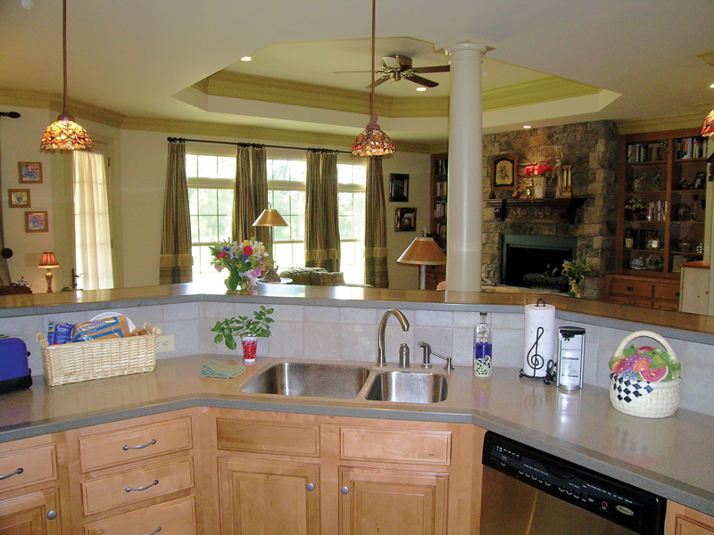 Southern House Plan Kitchen Photo 02 016D-0065
