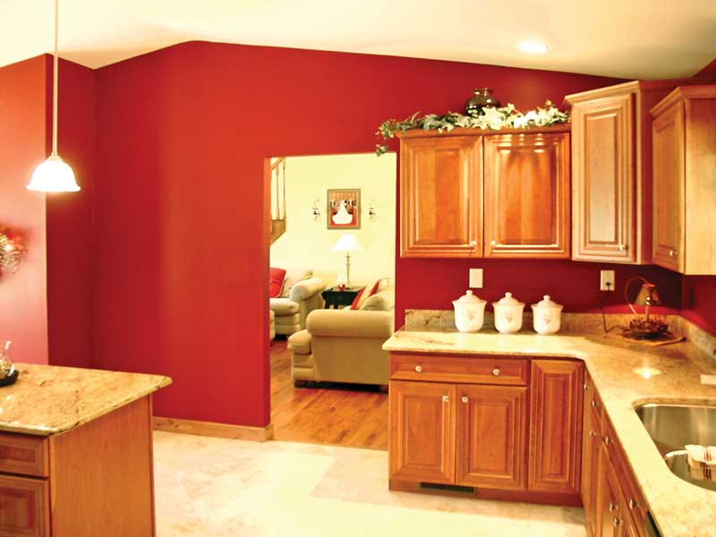 Traditional House Plan Kitchen Photo 01 - 016D-0096 | House Plans and More