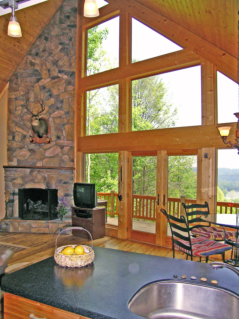 Mountain Home Plan Great Room Photo 02 016D-0102