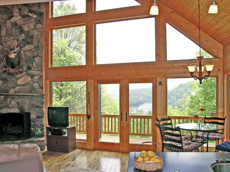 Mountain Home Plan Great Room Photo 03 016D-0102