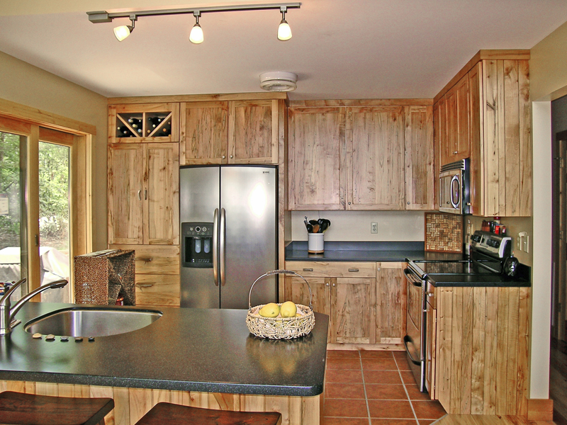 Vacation Home Plan Kitchen Photo 01 016D-0102