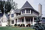 Fascinating Victorian Design With Grand Curb Appeal