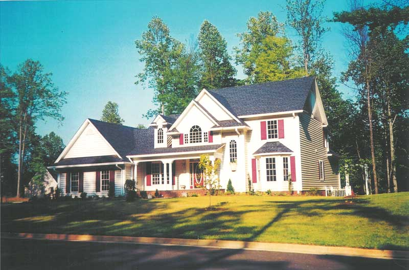 Traditional House Plan Front Photo 01 019D-0014